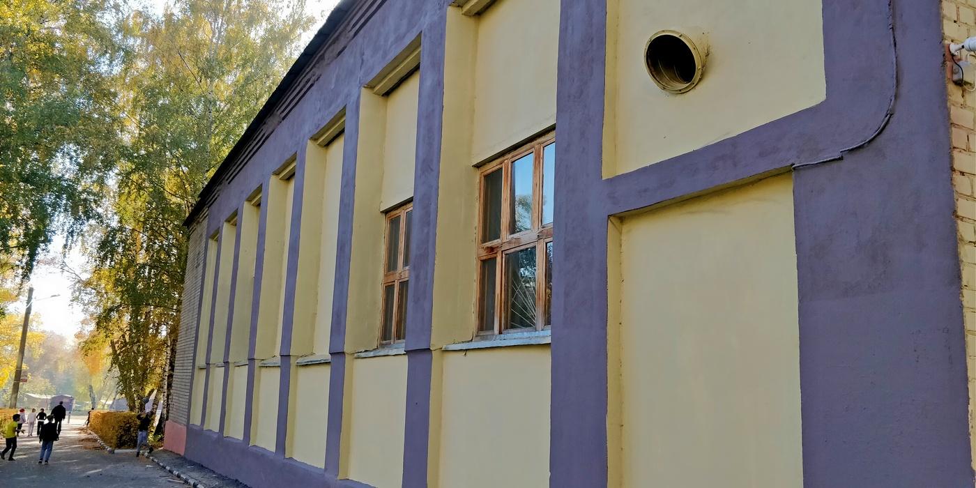 Покраска домов фасадов сочетания белая акация